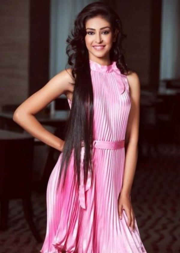 Miss Inde. Navneet Kaur Dhillon