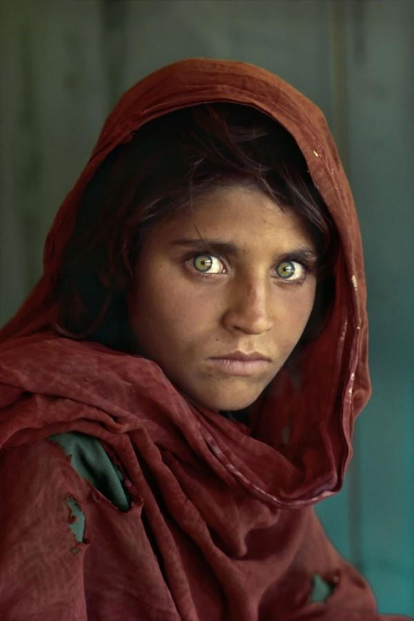 Sharbat Gula, 12ans, dans un camp de réfugiés au Pakistan, une des photos les plus célèbre (...)