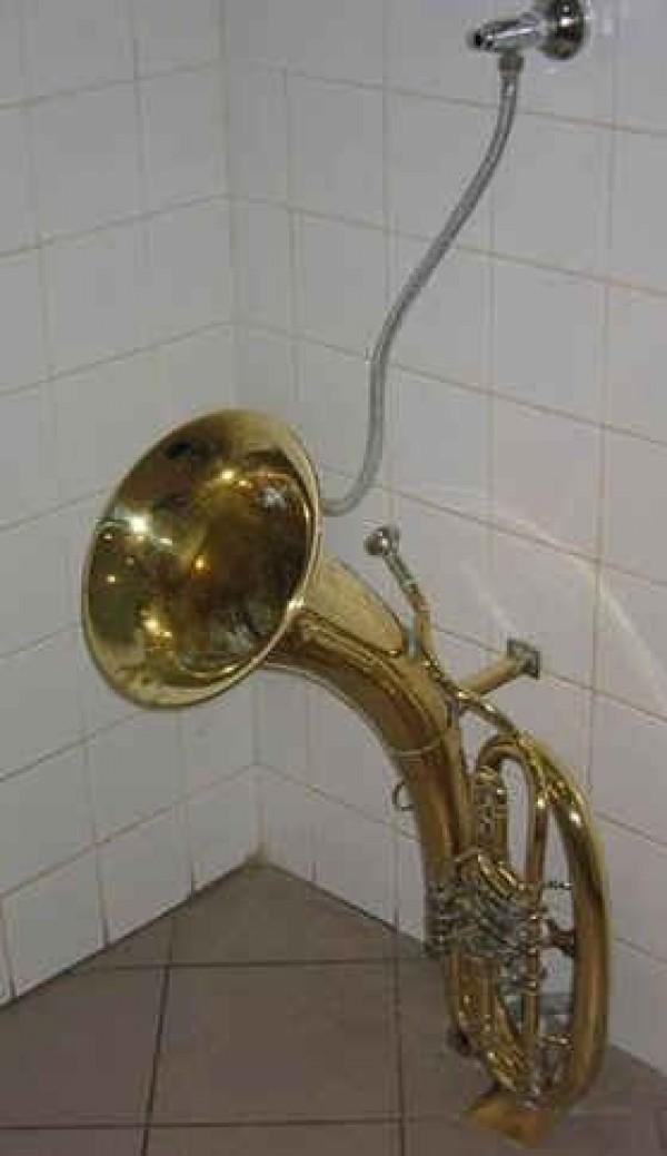 Un urinoir pour musicien