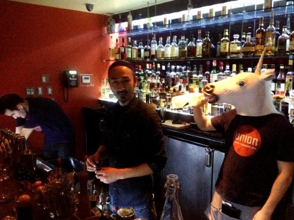 Elles recrutent dans les bar