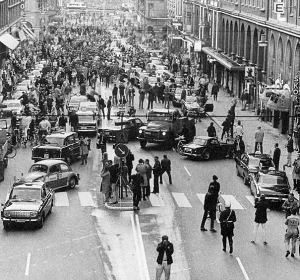 1967 : Changement de côté de la route pour conduire en Suède (gauche vers droite)