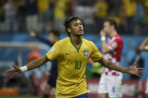 Coupe ébouriffée Brésilien Neymar