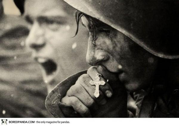 Juin 43, un soldat russe se prépare pour la bataille de Kursk