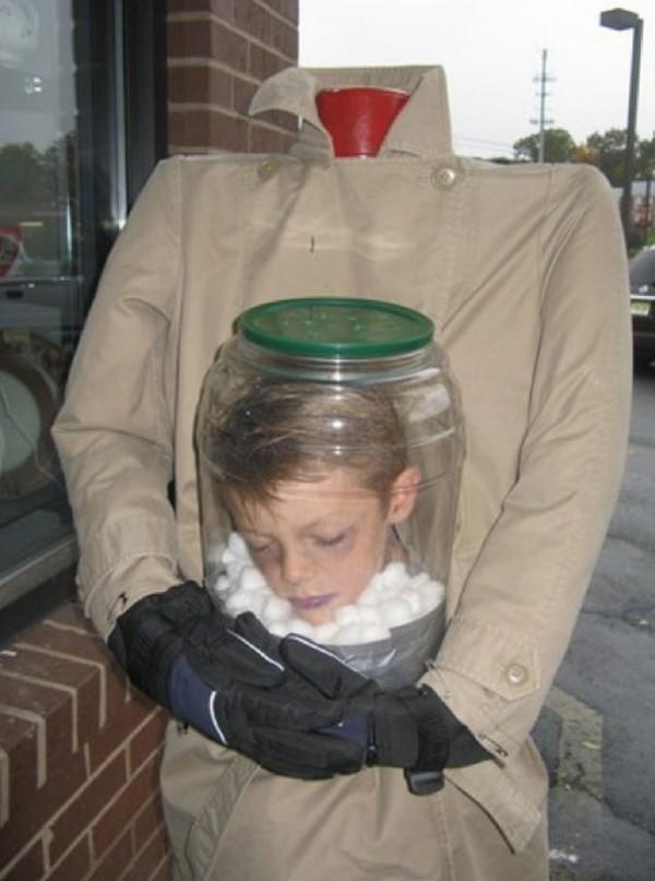 Homme sans tête (pas facile pour manger les bonbons)