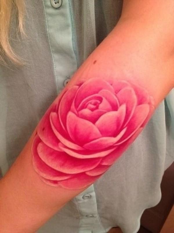 Rose réaliste
