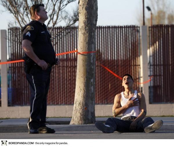 Un jeune homme apprend la mort de son frère