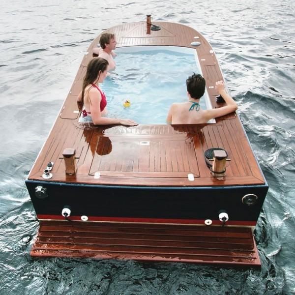 Dans ce bateau jacuzzi à Seattle dans l'Etat du Washington