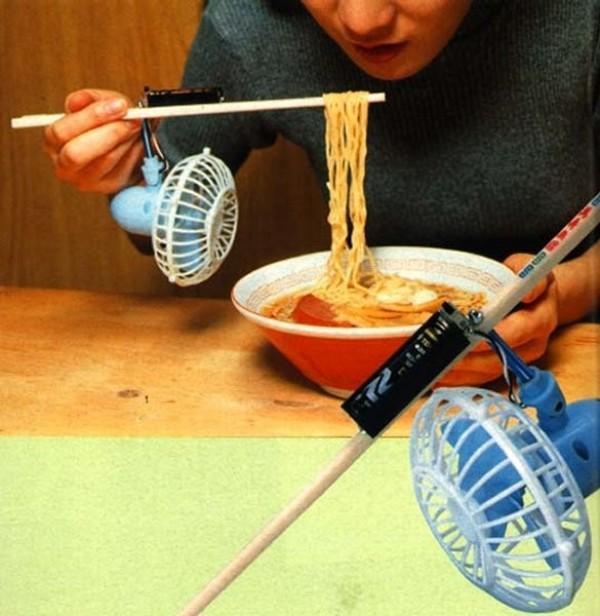 Les baguettes avec ventilateur intégré