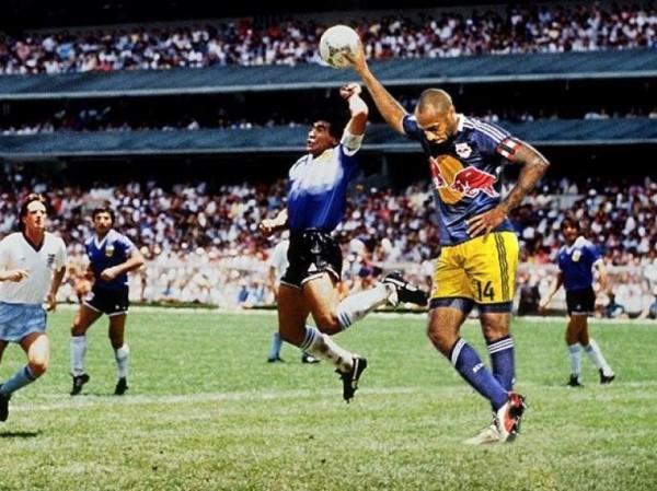 Thierry Henry et sa main de Dieu