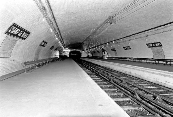 Champ de Mars (Ligne 8)