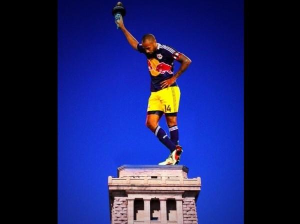 Thierry Henry, la statue de la Liberté