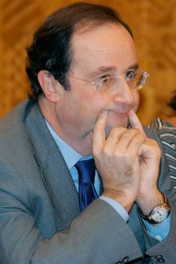 François Hollande fait le vampire