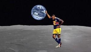Voter pour Thierry Henry, sur la lune