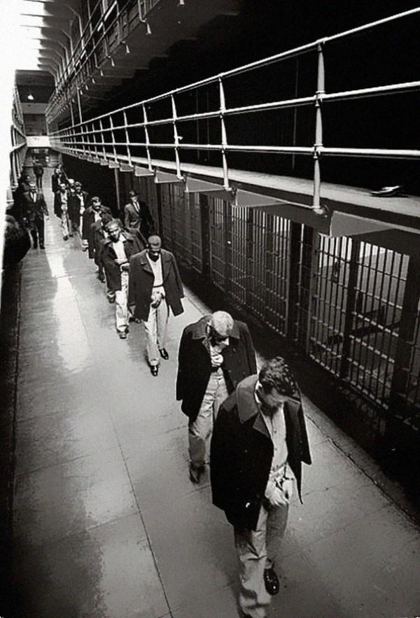 1963 : Les derniers prisonniers quittent Alcatraz