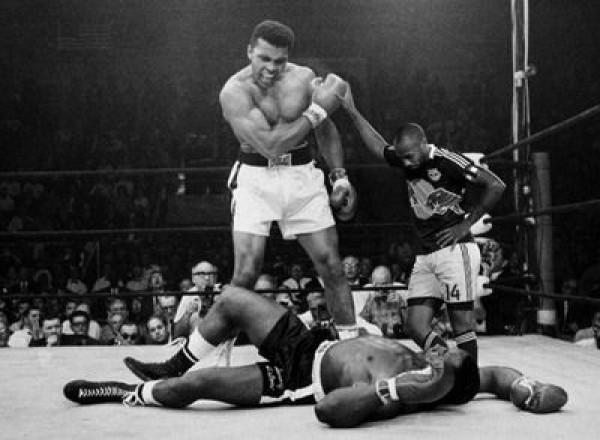 ... et l'uppercut de Mohammed Ali !
