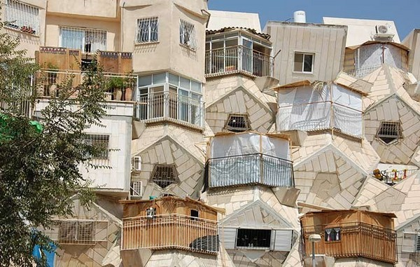 HONEY BEE HIVE HOUSE (JERUSALEM, ISRAEL)