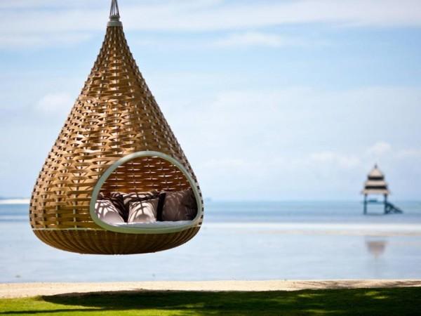 Dans ce cocon suspendu au bord de l'eau aux Philippines